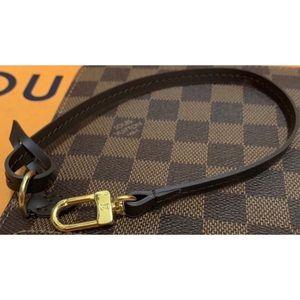 💯Authentic Louis Vuitton Shoulder Wristlet Strap